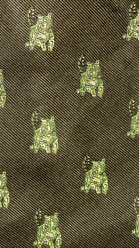 Silk tie with a design of tigers