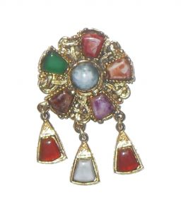 Scarf clip set with different coloured stones